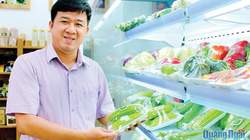 Kỹ sư cơ khí đam mê nông nghiệp hữu cơ
