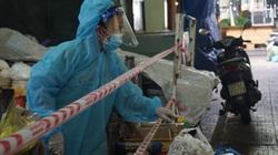 Đà Nẵng: Tiểu thương mang đồ bảo hộ, kính chống giọt bắn trong ngày đầu chợ mở cửa trở lại