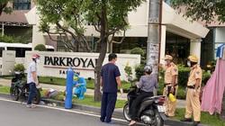 Công an chặn xe mượn bình oxy, ống thở cứu bệnh nhân F0 nguy kịch giữa đường