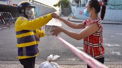 TP.HCM: Be đề xuất đi chợ hộ, Tiki muốn giao SGK miễn phí tận nhà mùa tựu trường