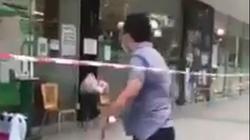 """TP.HCM: UBND quận 7 thông tin vụ người đàn ông tự xưng """"Tui là Ban chỉ đạo quận 7"""" xông vào siêu thị Aeon"""