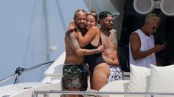 CĐV PSG phát hoảng với thân hình ục ịch của Neymar