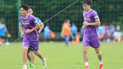 Ảnh: Văn Toàn, Tuấn Anh tập riêng cùng bác sĩ trong ngày tập luyện đầu tiên cùng đội tuyển