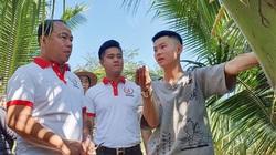 Đắk Lắk: Anh nông dân 9X mồ côi cha nuôi con gì, trồng cây gì mà có cả đoàn doanh nhân trẻ tới tham quan?