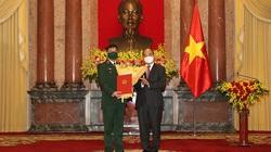 Thăng quân hàm Thượng tướng cho Giám đốc Học viện Quốc phòng Trần Việt Khoa