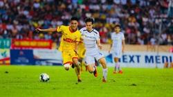 Trung vệ 1m80 chia tay CLB Nam Định, gia nhập HAGL?