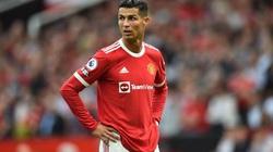 Tỏa sáng rực rỡ, Ronaldo vẫn bị HLV Solskjaer cảnh báo