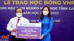VNPT Cà Mau tặng học bổng hơn 1,2 tỷ đồng
