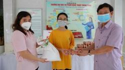 Báo NTNN/Dân Việt hỗ trợ 5.000 suất quà tới người lao động, sinh viên, gia đình khó khăn