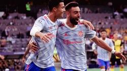 Có công chèo kéo Ronaldo, Fernandes được M.U thưởng lớn