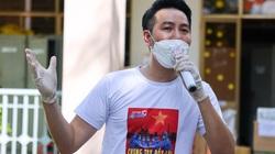 Nguyễn Phi Hùng xúc động nhắc đến hành trình hát cổ động cùng sao Việt tại bệnh viện dã chiến