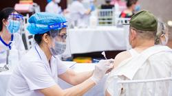 Thủ tướng: Không được thu phí hay bất cứ biểu hiện trục lợi nào trong tiêm vaccine phòng Covid-19 cho người dân