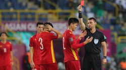 Duy Mạnh nói gì về quả penalty và tấm thẻ đỏ trước Ả Rập Xê Út?