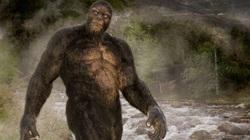 Kinh hoàng khoảnh khắc người đàn ông bị quái vật Bigfoot cao gần 5m tấn công