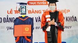 Lần đầu tiên ở Việt Nam: Robot thay sinh viên nhận bằng tốt nghiệp