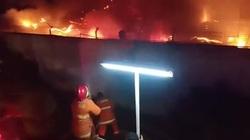 Clip: Cháy lớn tại nhà tù ở Indonesia, ít nhất 41 người thiệt mạng