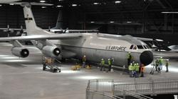 Chiếc vận tải cơ C-141 cực độc của Mỹ mang tên Hà Nội!