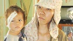 Người mẹ bỏ con vào lồng đi bán vé số và hơn 7.000 ngày khổ đau