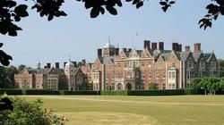 Hài cốt ở khu dinh thự Hoàng gia Anh là của thiếu nữ 17 tuổi