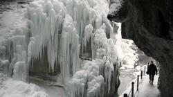 11.000 người Serbia mắc kẹt trong bão tuyết