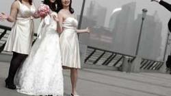 """16 triệu phụ nữ Trung Quốc lấy """"nhầm"""" chồng đồng tính"""