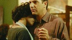 """Kevin Costner sẽ """"tỏ tình"""" tại lễ tang Whitney"""