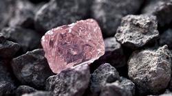 Phát hiện viên  kim cương hồng tuyệt đẹp