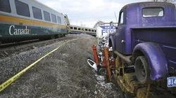 Tàu hỏa bị trật đường ray, 3 người tử nạn