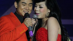 Minh Chuyên nũng nịu yêu thương bên Việt Tú