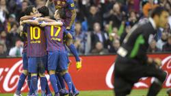 Messi lập cú đúp, Barca thắng dễ Santander