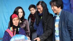 Đào Anh Khánh và Thanh Lam đi làm từ thiện