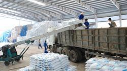 Tăng giá bán than cho sản xuất phân bón: Nông dân thêm khó