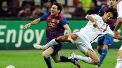 Milan chia điểm không bàn thắng với Barca