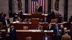 """Hạ viện Mỹ thông qua dự luật tránh """"vách đá tài chính"""""""