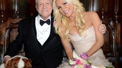 86 tuổi, ông chủ Playboy làm chú rể sánh đôi bên cô dâu trẻ