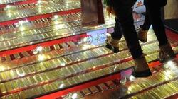 Chơi sang trải cả tấn vàng... lót đường đón khách