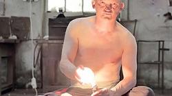 Kỳ lạ người đàn ông tích điện nấu chín đồ ăn trong 6 giây