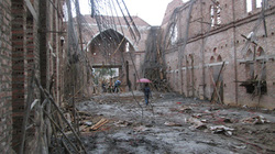 Vụ sập mái nhà thờ: Do trời mưa, đất yếu, sụt cốt pha