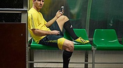 Chơi trội, Messi thuê người quản lý Twitter