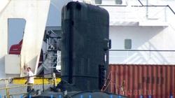Tàu ngầm Kilo Hà Nội được bốc dỡ như thế nào?
