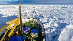 Tàu phá băng Mỹ đến cứu tàu Trung Quốc và Nga