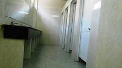 9X dụ bé 8 tuổi vào nhà vệ sinh giao cấu