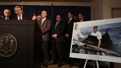 Mỹ: Truy tố 106 cảnh sát giả tâm thần chiếm đoạt 400 triệu USD