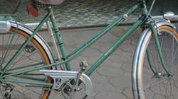 """Chuyện lạ Hà Nội: Xe đạp """"cà tàng"""" đắt ngang SH"""