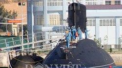 Độc quyền: Tàu ngầm Kilo rời Cam Ranh, uy mãnh tiến ra biển Đông