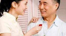 Đừng bao giờ kể xấu chồng trước mặt bố chồng