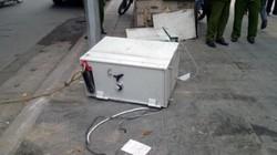 ATM bị phá tung, két sắt  bị quăng ra giữa vỉa hè Hà Nội