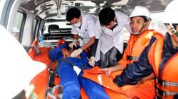 Cấp cứu kịp thời một ngư dân bị đau nặng vào đất liền