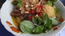 Đến Phan Thiết ăn mì quảng vịt
