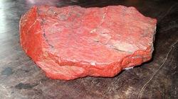 Chuyện về những viên đá đỏ trong Lăng Bác